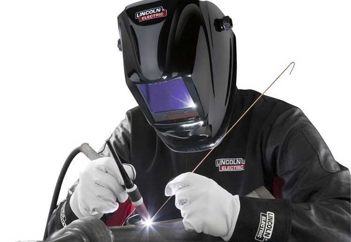 5e0f0b18a Lincoln Electric Viking 3350 Welding Helmet Review